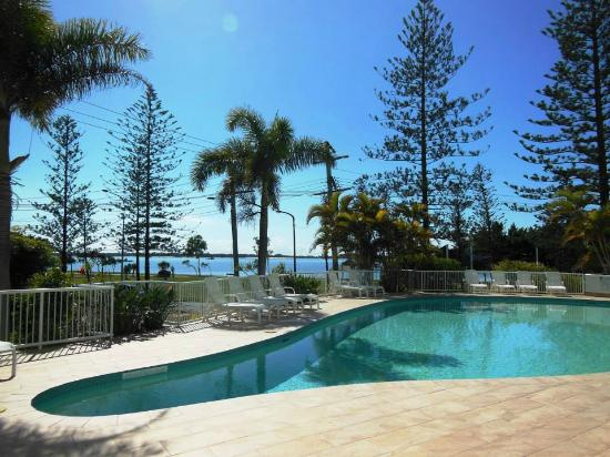 Pool Area Picture Of Crystal Bay On The Broadwater Southport Tripadvisor