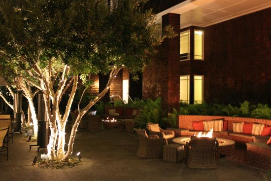 Менло-Парк, Калифорния: Romantic fireplace
