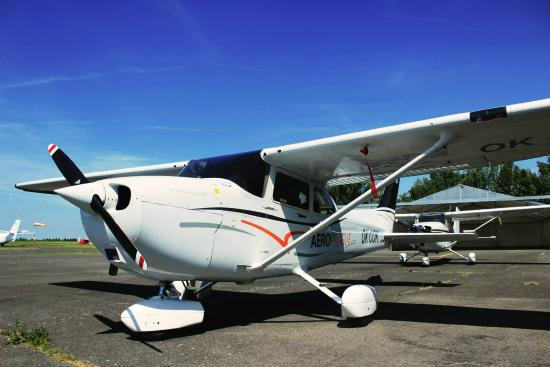 AeroPrague Sightseeing flights, tours and aerotaxi