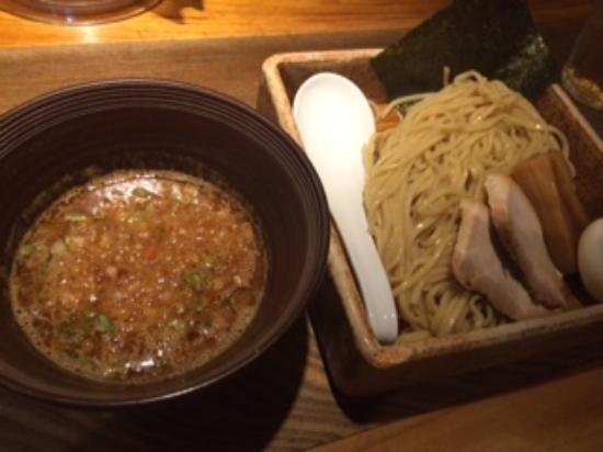 Gogyo: 初めて食べる五行の「つけ麺」