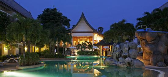 Centara Kata Resort Phuket: Main Pool and Activity 2