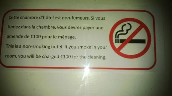 Hotel Terminus Mont-Blanc : ha bon 100 € pour le ménage on aurait du fumer pour les clients suivant...