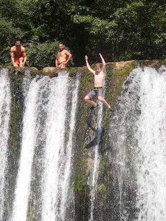 Velo Vercors : Nearby waterfall