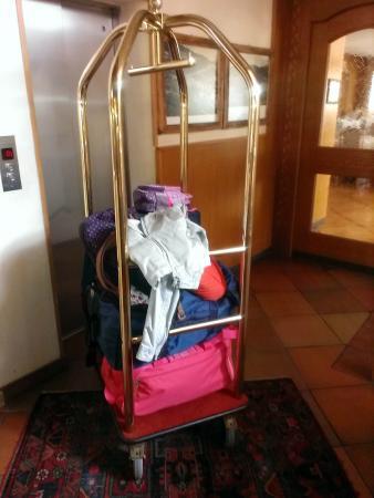 Grand Hotel Biancaneve : arrivo (carrello spinto io !..)