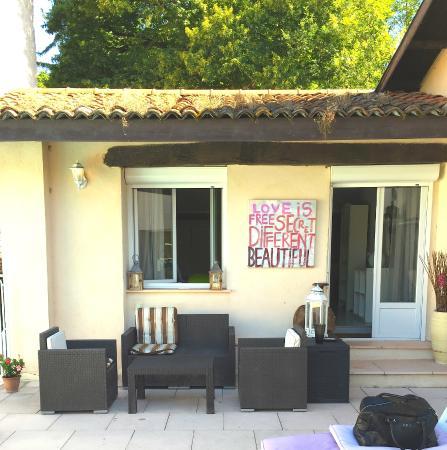 Hotel La Gabetiere : terrasse de la suite piscine (N° 10BIS)