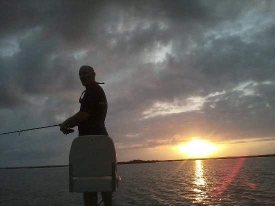 Oak Hill Fish Camp : Morning fishing