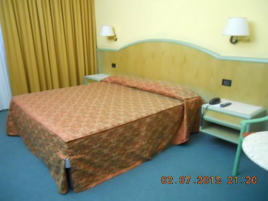 Alfa Fiera Hotel : letto comodo