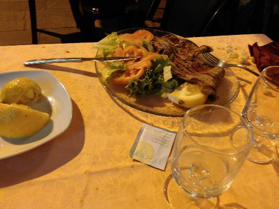 Ristorante Pizzeria Vesuvio: Piatti abbondanti