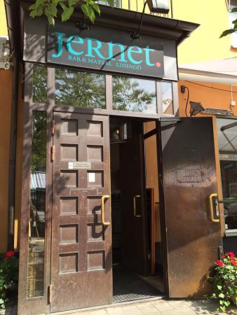 Jernet Bar & matsal