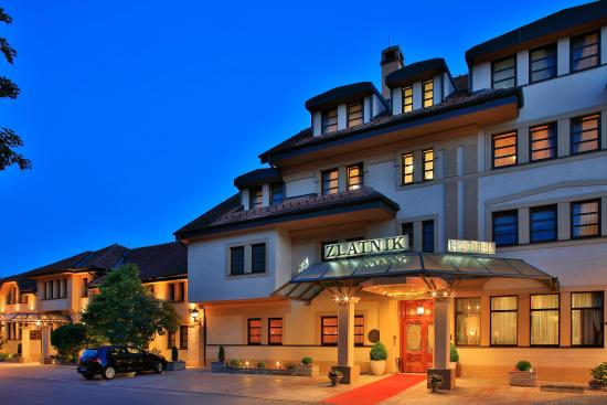 Hotel Zlatnik: Hotel entrance