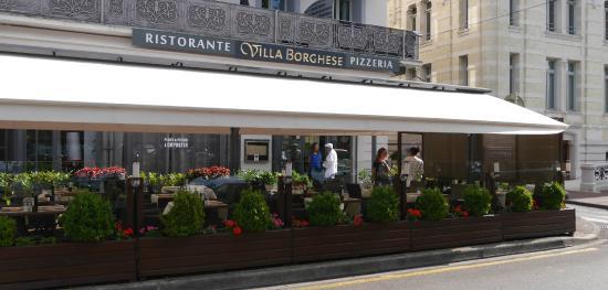 Terrasse Villa Borghese : Terrasse Photo de Villa Borghese, u00c9vian les Bains