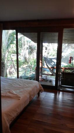 High Life Bungalow Resort: Вид на терассу из бунгало
