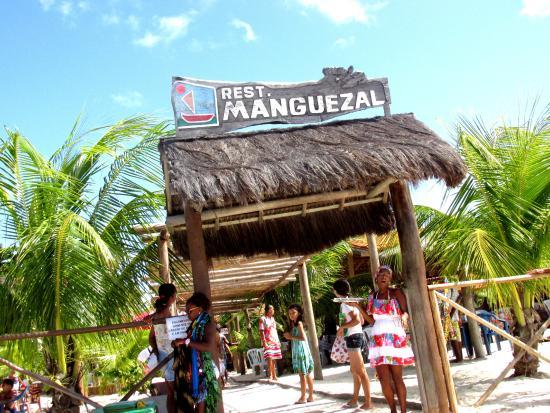 Resultado de imagem para imagens do restaurante manguezal em itaparica