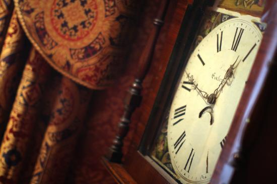 Shap Wells Hotel: Grandfather Clock