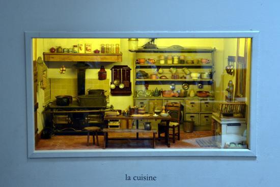 La cuisine photo de acad mie des miniatures et des for Academie cuisine
