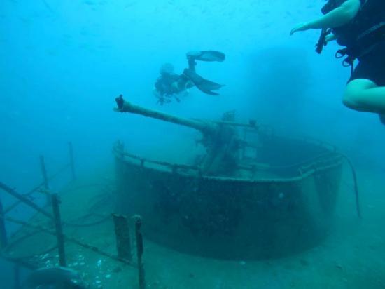 Diving in ko tao me and the team picture of scuba shack koh tao tripadvisor - Koh tao dive center ...