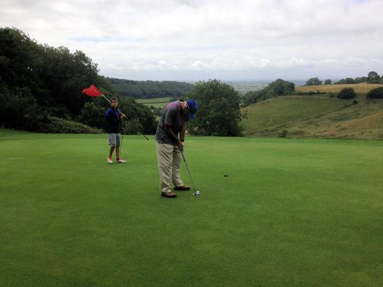 Cotswold Edge Golf Club: Good views from the Green