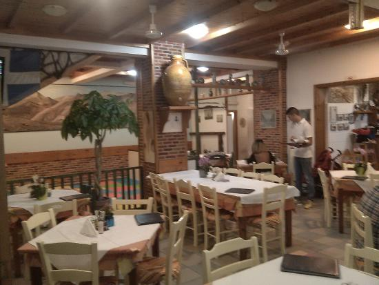 West Crete Restaurant: Внутренний зал