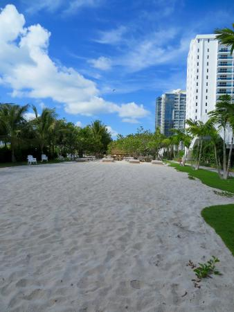 Open area between the hotel and beach