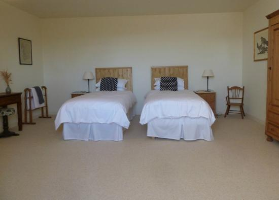 Cézac, France : La Lucarne set up with twin beds (can be put together as double)