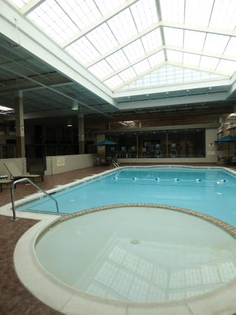 BEST WESTERN PLUS Kingston Hotel and Conference Center: Indoor Heated Pool