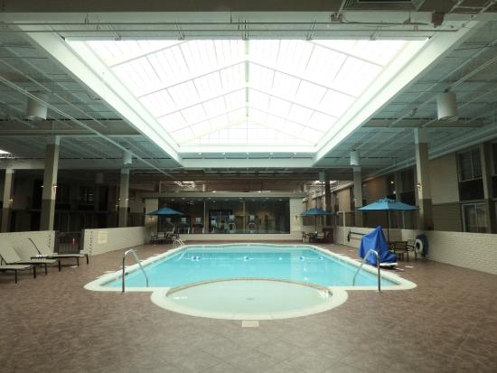 BEST WESTERN PLUS Kingston Hotel and Conference Center: Indoor Pool and Recreation Center