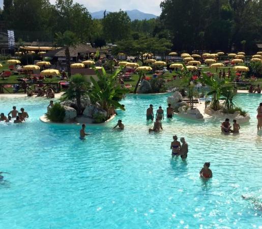 Piscina priv foto di piscine molinazzo lesignano de - Immagini di piscina ...
