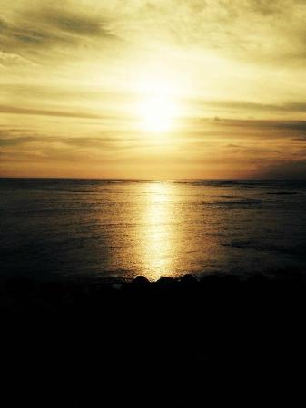 Bali Segara Hotel: Kuta Beach at sunset
