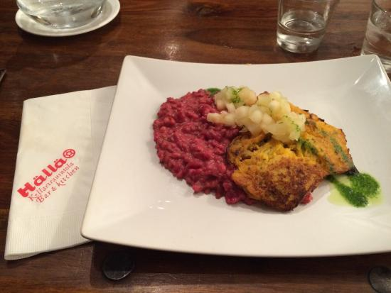 Halla: Chef's recommentation: Beetrootbarley with pumpkin patty