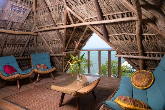 Tranquilseas Eco Lodge and Dive Center: Ocean view tree top dining