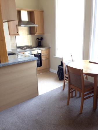The Glenbourne: Photos of some of the rooms in some of the flats taken in 2014