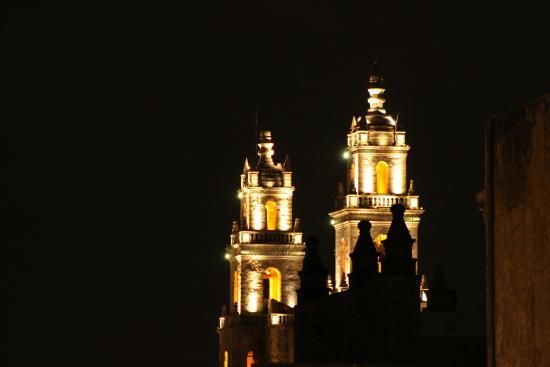 Hotel Eclipse Meridda: Vista de la catedral desde la habitacion