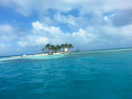 Placencia Eagle Ray Tours: Silk Cayes full day trip