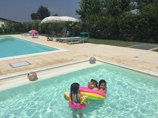 Agriturismo La Quercia: Замечательное место, включает все что нужно для хорошего отдыха: классный бассейн, для малышей и