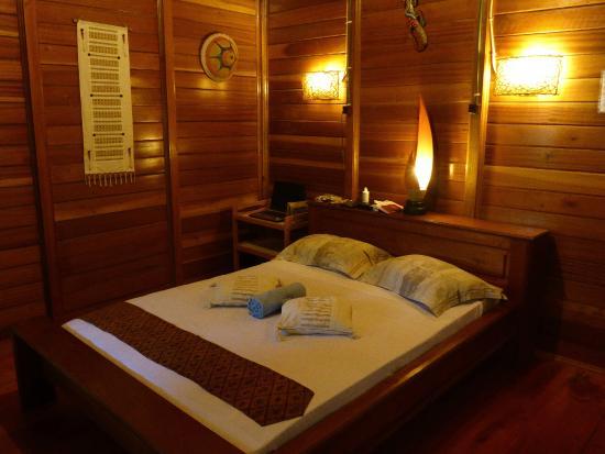 Two Fish Divers Bunaken : Bedroom