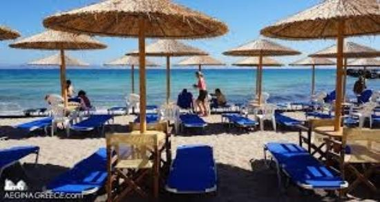Aerides Beach Bar - Restaurant: great constant service on the beach