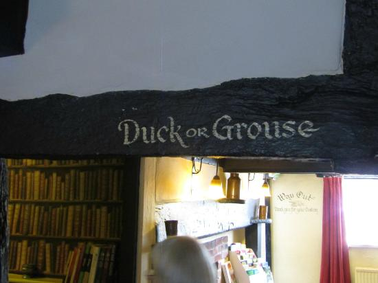 The Partridge Inn: Humorous low lintel sign