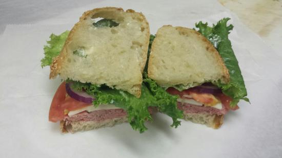 Beta Bread Bakery and Deli: Betabread deli sandwich.