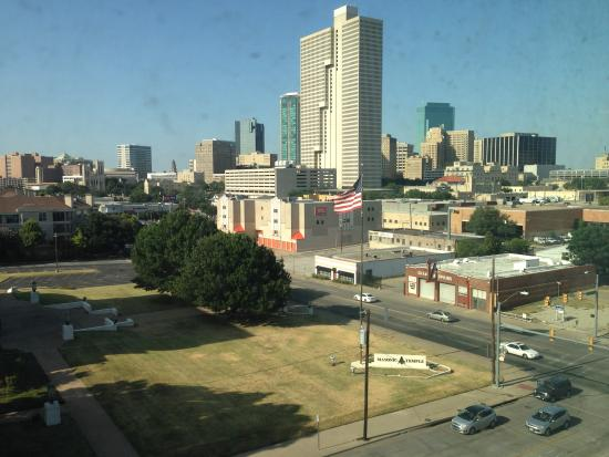 Holiday Inn Express Hotel & Suites Fort Worth Downtown : Daytime City View From 6th Floor Guest Room