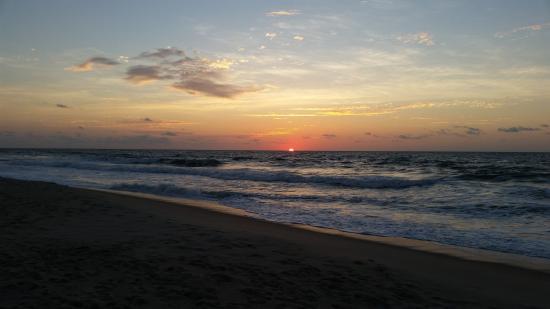 Admiral's Quarters : Invigorating sunrise