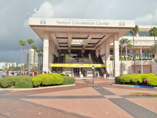 Tampa Convention Center: Entrance to Convention Center