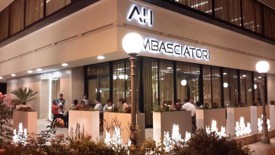 Hotel Ambasciatori: Ingresso