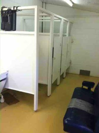 Carolina Beach Family Campground: Bathroom Stall Doors Wonu0027t Close, No Locks