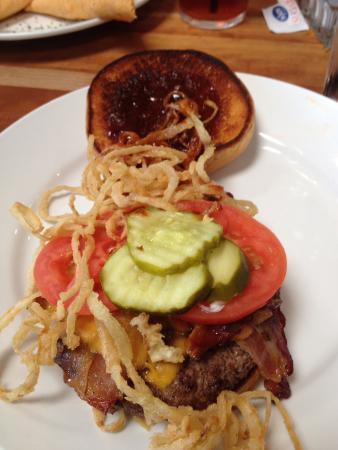 Newport News, VA: Burger