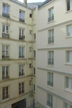 L' Hotel Pergolese Paris: View from our room