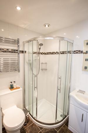 Canterbury House: Bathroom Rm 2