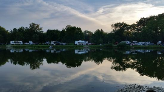 Waterloo, NE: Campsites along Lakeside camping area
