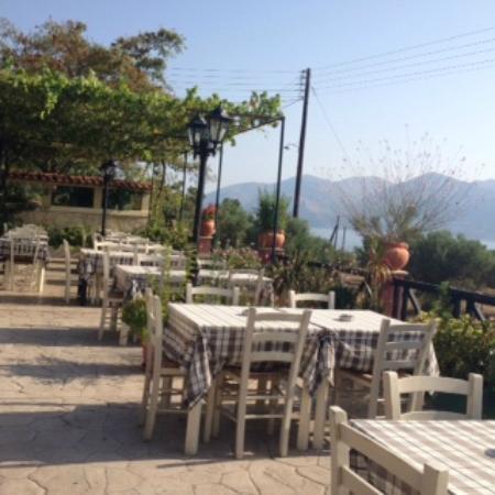 Apolafsi Villas: The Terrace