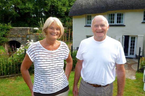 Tedburn St. Mary, UK: Perfect hosts Sue and Ken