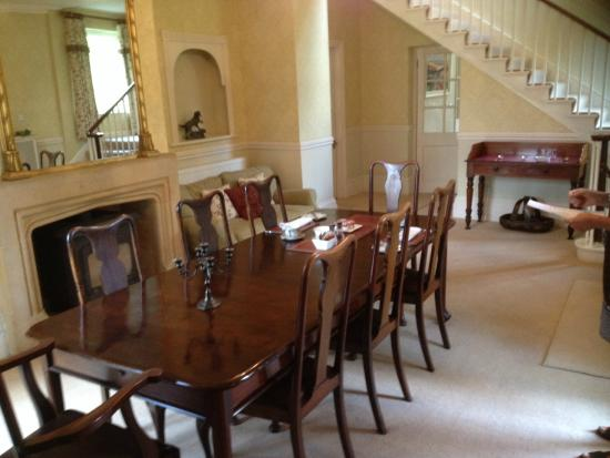 Detmore House : The Breakfast Table